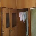 工事前リビングから浴室に向かう入り口ドア
